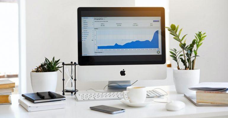 White mac showing a graph